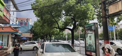 地铁公交站旁主路临街25㎡旺铺5.8万优价转让(公家门面生意转让)