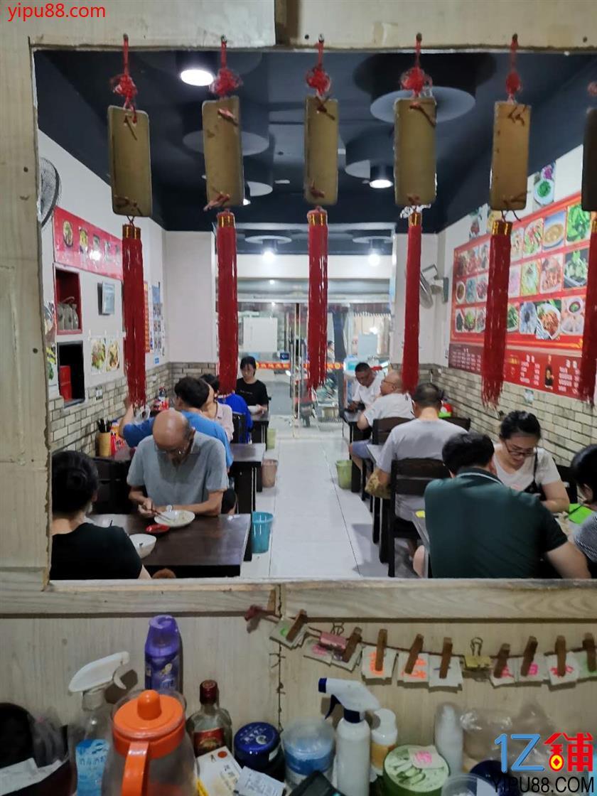 武侯紧挨 医院+小区 的72㎡营业餐饮门市优价转让勒!