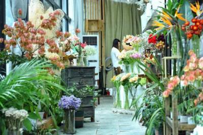 转让金牛区花牌坊临街门面 适合花店、美甲店、甜品屋
