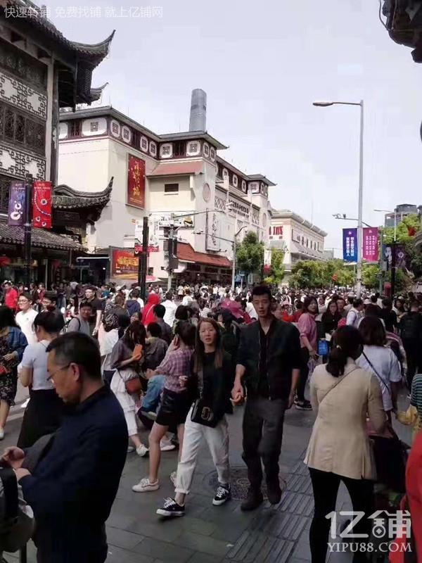 真实商铺豫园城隍庙 餐饮旺铺出租,重餐饮执照,业态