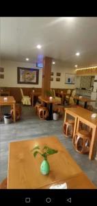 万人社区  全新装修 中餐馆转让